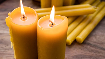The Benefits of Burning Pure Beeswax Candles