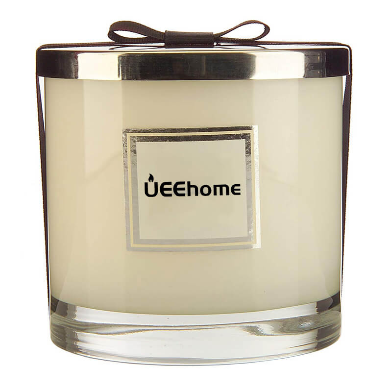 Beautiful White Highly Scented Soy Candles in Bulk